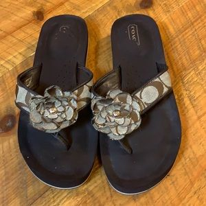 Coach signature Jillian flip flop sandals Brown 7